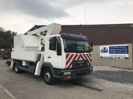 autohoogwerker vrachtwagen MAN HOOGWERKER L12LC COMET LIFT 17,5m 2004