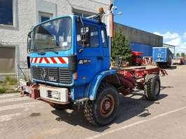 chassis cabine vrachtwagen Renault Midliner - M150 - 4x4 - PTO