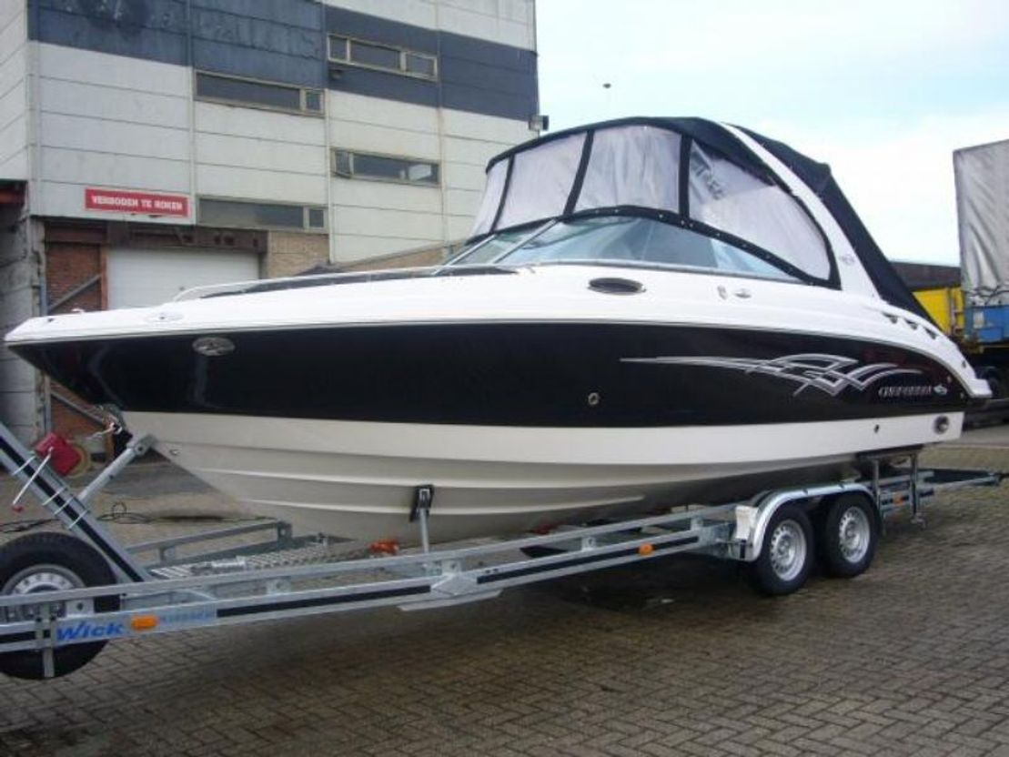 motorboot DIV. Chapparal 256 SSX