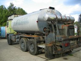 bitumensprayer vrachtwagen Pegaso Asphalt sprinkler/distributor