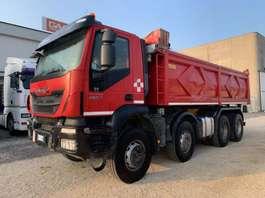 kipper vrachtwagen Iveco Trakker 410T45 Euro6 8x4 2014