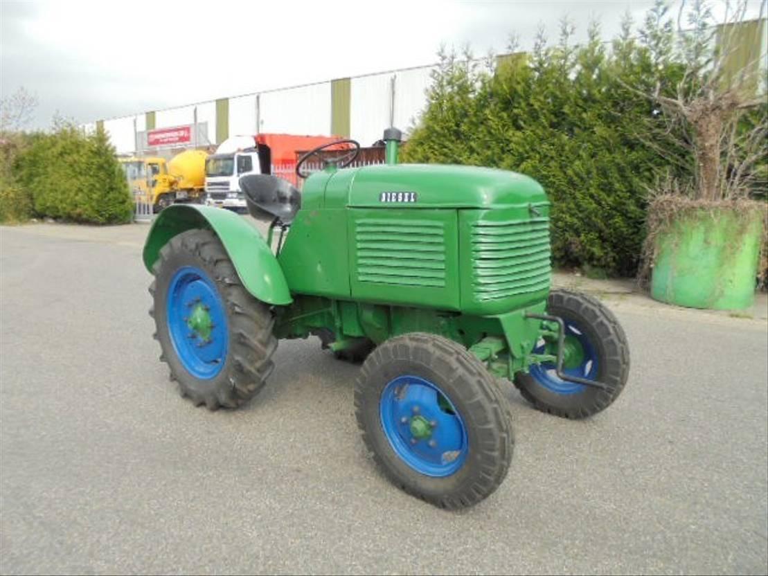 overige trekkers landbouw Steyr 2WD 1949