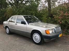 sedan auto Mercedes Benz 190 ECE 190 E  orgineel nederlands kenteken 1989