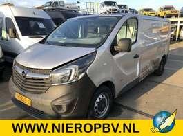 gesloten bestelwagen Opel vivaro l2 h1 airco navi rijdbare schade 2014