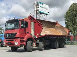 kipper vrachtwagen Mercedes Benz Axor 3243 K 8x4 Bordmatik links 2006
