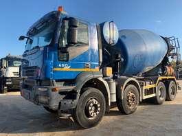betonmixer vrachtwagen Iveco Trakker 410T45 8x4 Euro5 2007