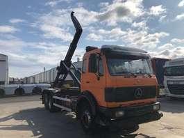 containersysteem vrachtwagen Mercedes Benz 2235 1990