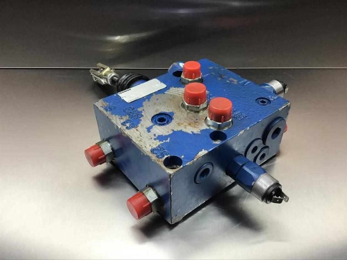 cabine - cabinedeel equipment onderdeel Liebherr Liebherr - Brake Compact Block