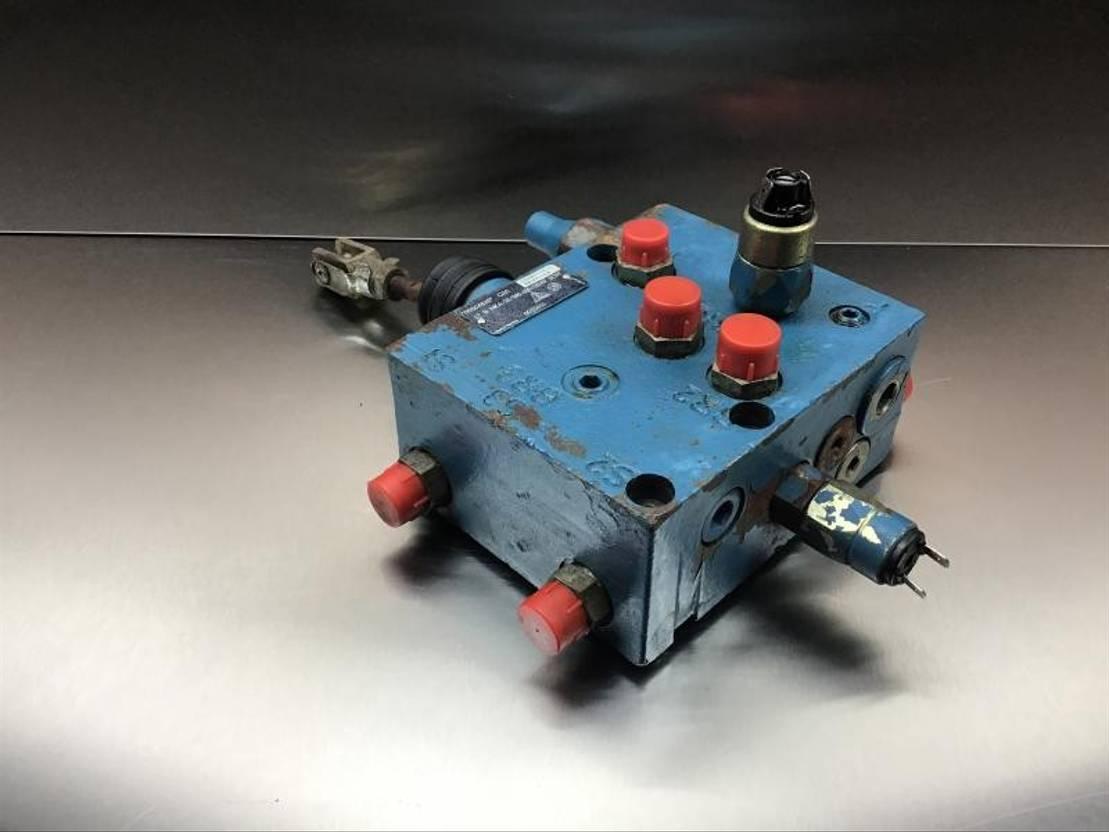 cabine - cabinedeel equipment onderdeel Liebherr Rexroth - Brake Compact Block