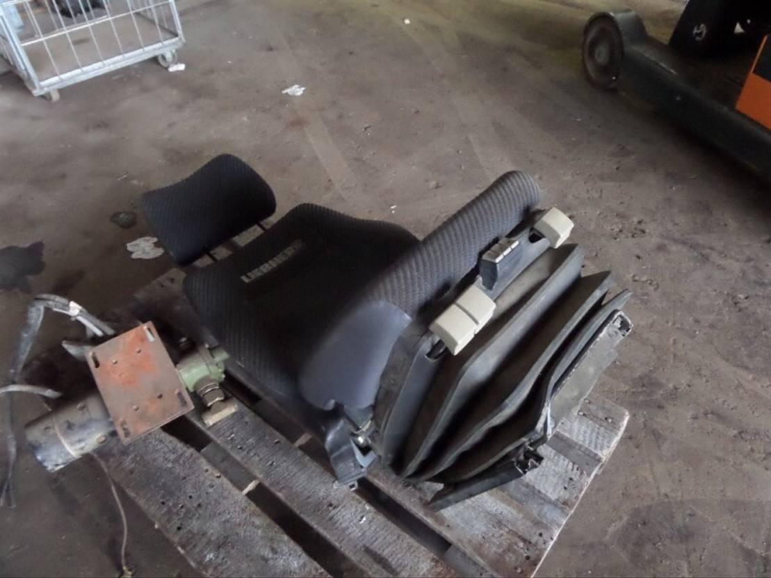 cabine - cabinedeel equipment onderdeel Liebherr Liebherr - Seating