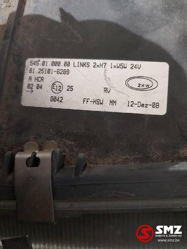 Koplamp vrachtwagen onderdeel MAN Occ Koplamp links MAN F2000