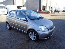 hatchback auto Toyota YARIS + Manual + Airco 2003