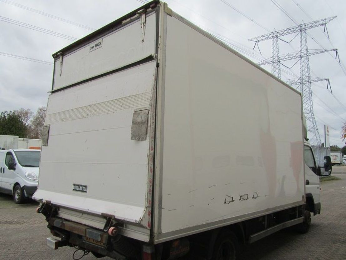bakwagen bedrijfswagen < 7.5 t Mitsubishi FB83B 2006
