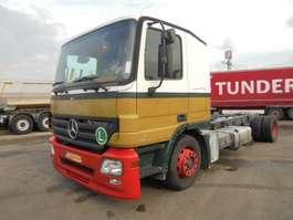 chassis cabine vrachtwagen Mercedes Benz ACTROS 1832 2006