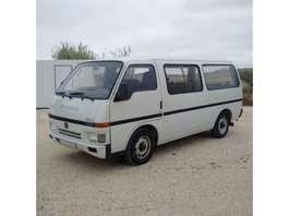 taxibus Isuzu Bedford SETA 2.2 diesel long wheel base left hand drive. 1989