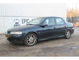 overige personenwagens Opel Vectra 1.8i-16V Business Edition Auto 2002
