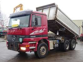 kipper vrachtwagen Mercedes Benz 2648 Actros Kipper 6x4 V8 Full Steel Good Condition 1999