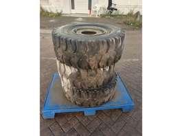 banden equipment onderdeel MICHELIN-BRIDGESTONE DUNLOP 300 - 15