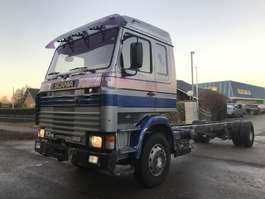 chassis cabine vrachtwagen Scania 113 360 4x2 chassis manual 1992