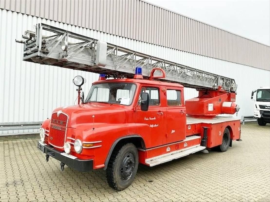 ambulance bedrijfswagen MAN 635 H DL 4x2 635 H DL 4x2 Feuerwehr-Drehleiter Metz 1965
