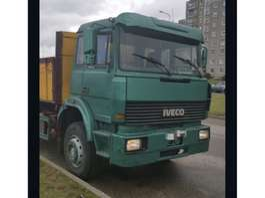 kraanwagen Iveco 240.36 1996