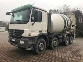 betonmixer vrachtwagen Mercedes Benz 3236 Liebherr 9cbm 2009