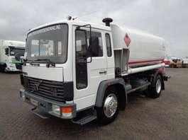 tankwagen vrachtwagen Volvo FL614 + Manual + 10000L + 3 compartments 1991