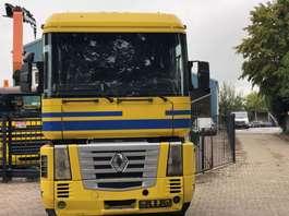standaard trekker Renault MAGNUM AE 440 2002