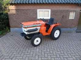 standaard tractor landbouw Kubota B1402 D Minitractor trekker gazonbanden 1990
