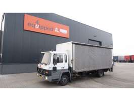 autotransporter vrachtwagen Volvo TOP: FL 408, box truck with curtains on 1 side, taillift, 146.681 km's 1988