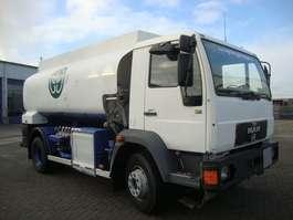 tankwagen vrachtwagen MAN 15-224 12000 L  steel springs MANUEL GEARBOX 1997