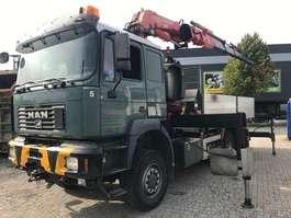 kraanwagen MAN 28.464 2002