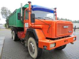 kipper vrachtwagen Iveco 6x6 Aircooled Sideway Tipper 256 M26AK 1983