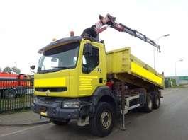kipper vrachtwagen Renault KERAX 420 DCI 6 X 4 KIPPER + HMF 1820 CRANE !! 2004