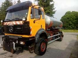 tankwagen vrachtwagen Mercedes Benz 2031 4x4  WITH WATERTANK IN STAINLESS STEEL 1997