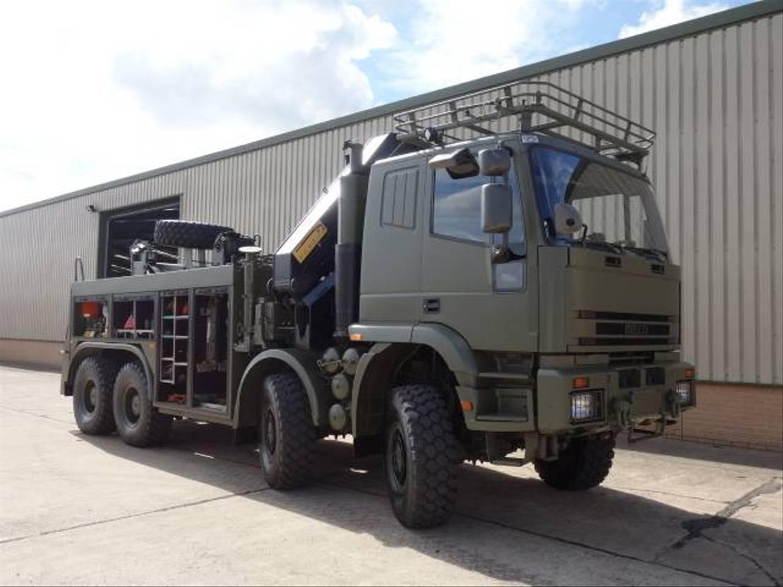 takelwagen-bergingswagen-vrachtwagen Iveco Eurotrakker 410 410E42 8x8 Recovery 2001
