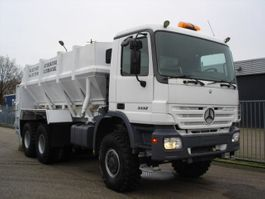 bandlosser vrachtwagen Mercedes Benz Actros 3332 6X6 - NEW PANIEN SOIL STABLIZATION SPRAYER 2003
