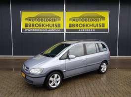 mpv auto Opel Zafira 1.6-16V Comfort 2004