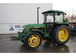 standaard tractor landbouw John Deere 2140 1986