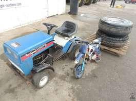 standaard tractor landbouw White Mini Tractor + minimotor En Kieperbanden
