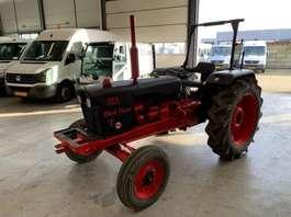 standaard tractor landbouw David Brown david brown 885/1 1972