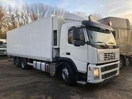 koelwagen vrachtwagen Volvo FM 330 2010