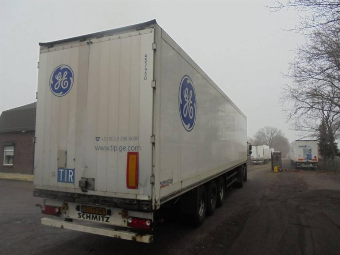 gesloten opbouw oplegger Schmitz Cargobull SKO 24 Doppelstock 2006