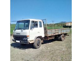 platform vrachtwagen Toyota HINO FD174L 6.4 diesel 6 cylinder left hand drive. 1984