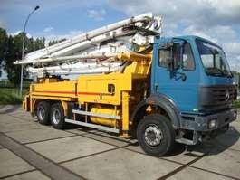 betonpomp vrachtwagen Mercedes Benz 2631 putzmeister 36 meter 1999