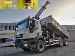 kipper vrachtwagen Iveco Trakker 450 6x4 Kipper + kraan HIAB euro5 2007