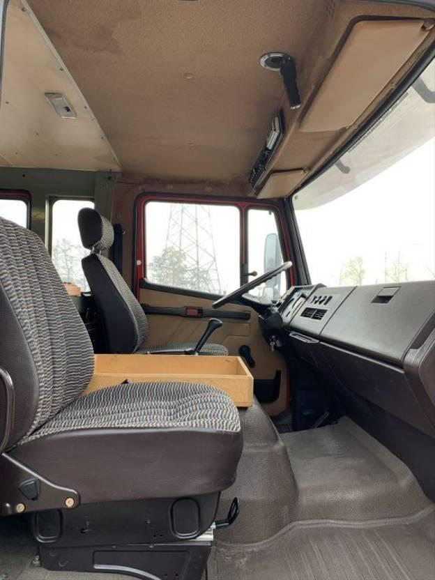 brandweerwagen vrachtwagen Mercedes-Benz 1117 Steel Springs 1986