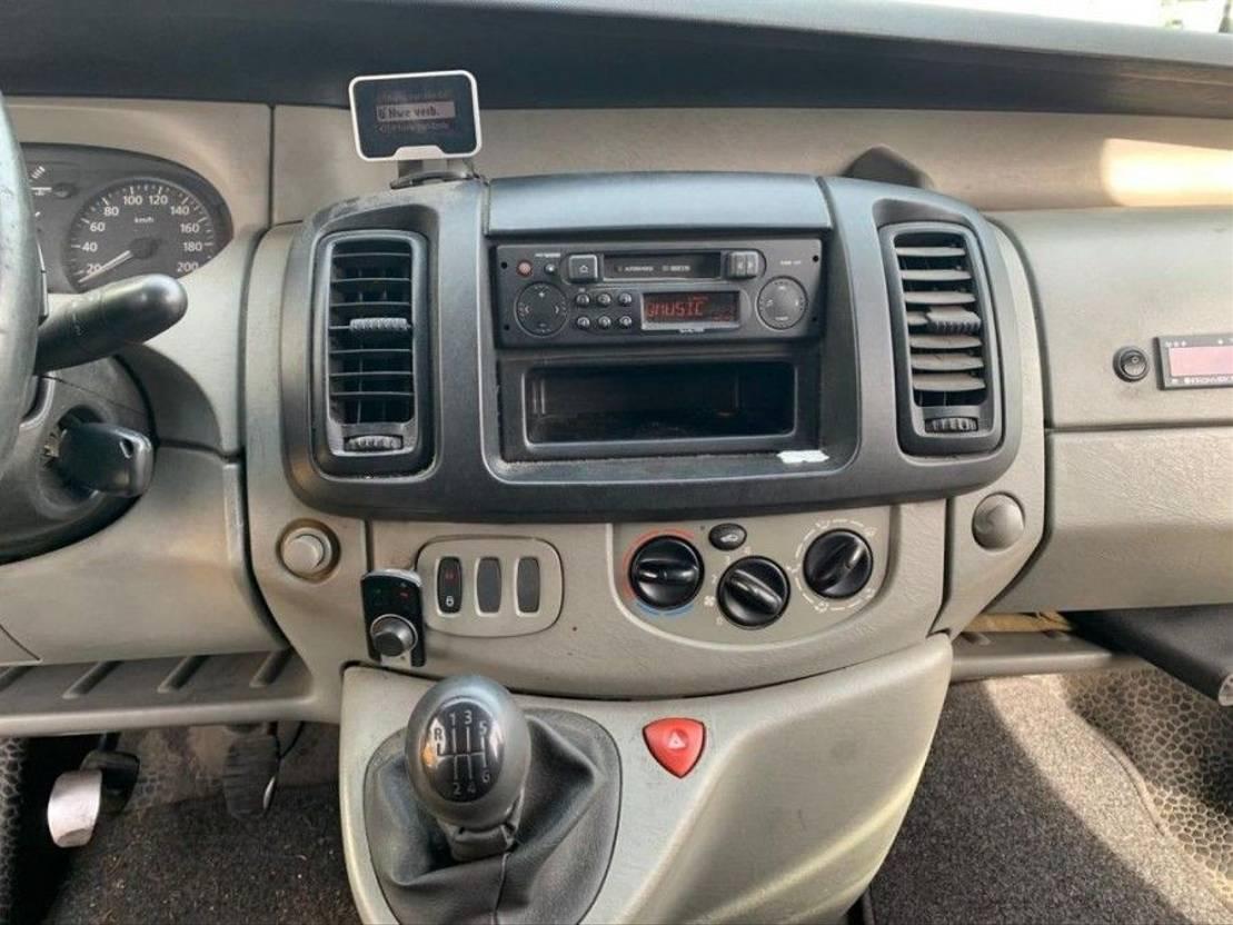 koelwagen bestelwagen Renault TRAFIC 1200 L2 H1 1.9 DCI 100 koeling met stekker 2004