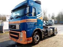 standaard trekker Volvo FH 420 with/avec ADR and hydraulic 2010