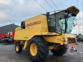 maaidorser - combine New Holland TX34 1988